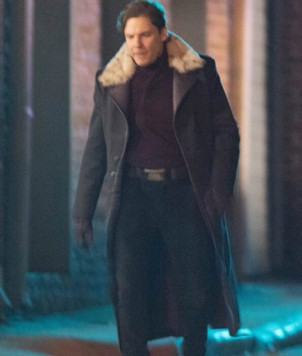 The-Falcon-And-The-Winter-Soldier-Zemo-Coat